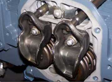 Figure 1-31. Rocker opposed engine arms.