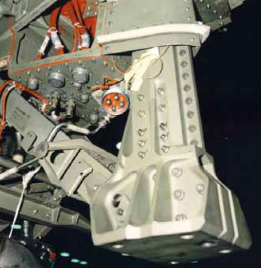 Figure 8-26. Turbine engine front mount.